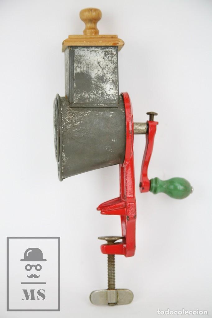 Antigüedades: Antiguo Rallador de Pan - Elma 1444 - Años 50 - Medidas 7 x 14 x 28 cm - Foto 4 - 111350299