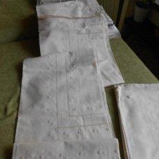 Antigüedades: MANTELERIA CLASICA BORDADO A MANO. BEIGE CLARO 180 X 270 - 12 SERVILLETAS NUEVO. Lote 111350603