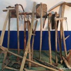 Antigüedades: 17 PIEZAS HACHA,RASTRILLO,AZADA,, APEROS LABRANZA PENEDES CATALUÑA- HERRAMIENTAS AGRICOLAS (REF-1AC). Lote 111361383