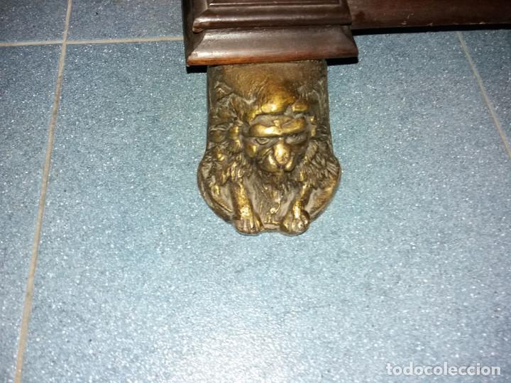 Antigüedades: mueble de salon con mucho bronce - Foto 6 - 111427971