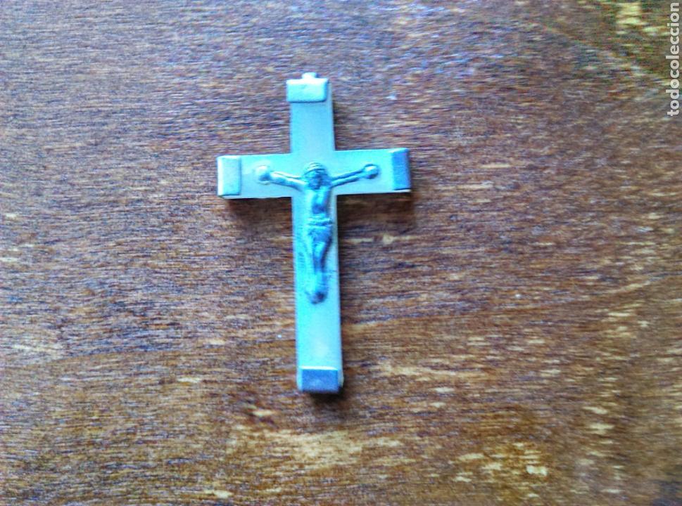 ANTIGUA CRUZ CRUCIFIJO NÁCAR PLATA? (Antigüedades - Religiosas - Crucifijos Antiguos)