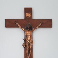 Antigüedades: CRUCIFIJO MADERA CON CRISTO EN BRONCE. Lote 111507276