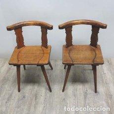 Antigüedades: DOS SILLAS ANTIGUA DE MADERA. SELVA NEGRA (ALEMANIA) 1850 - 1880. Lote 111517131