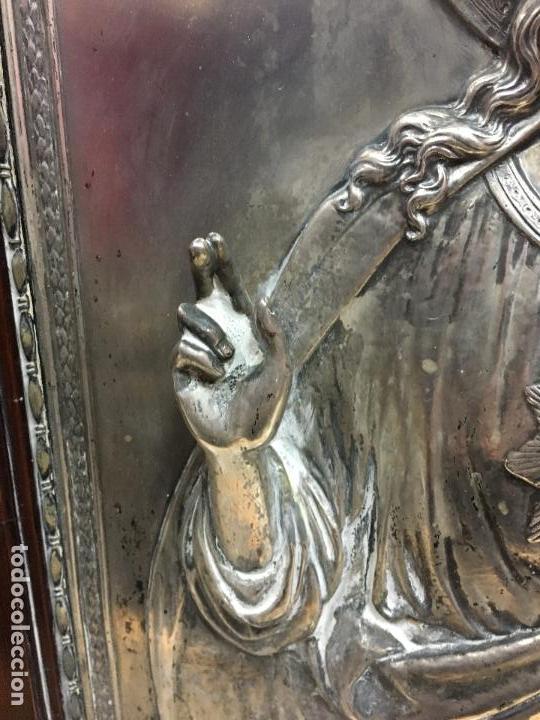 Antigüedades: ANTIGUO PLAFON DE METAL SAGRADO CORAZON DE JESUS - MEDIDA MARCO 65X53 CM - RELIGIOSO - Foto 6 - 111527303