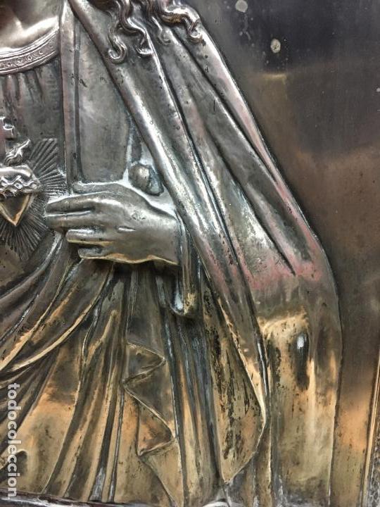Antigüedades: ANTIGUO PLAFON DE METAL SAGRADO CORAZON DE JESUS - MEDIDA MARCO 65X53 CM - RELIGIOSO - Foto 7 - 111527303