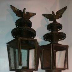 Antigüedades: LOTE 2 ENORMES ANTIGUOS FAROS CON AGUILA IMPERIAL COCHE CARRUAJE BRONCE. Lote 111531546