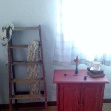 Antigüedades: MESILLA Y ESCALERA. Lote 111546955