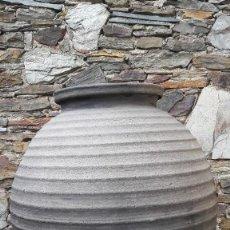 Antigüedades: AMBOA ,TINAJA EN CERÁMICA NEGRA. Lote 111564587