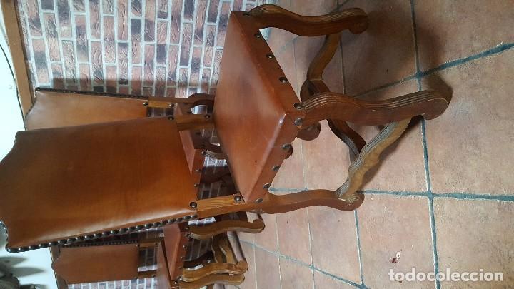Antigüedades: Conjunto de 8 sillas de cuero legítimo y madera de castaño - Foto 4 - 111595323