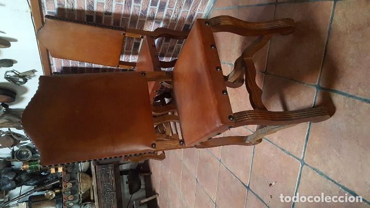 Antigüedades: Conjunto de 8 sillas de cuero legítimo y madera de castaño - Foto 6 - 111595323