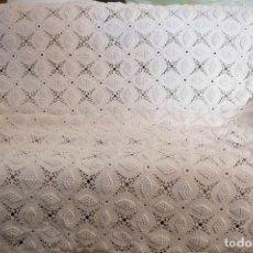 Antigüedades: COLCHA DE GANCHILLO PARA CAMA DE 90.. Lote 111603771
