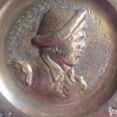 Antigüedades: ANTIGUO PLATO COBRE REPUJADO SANCHO PANZA. Lote 111630911