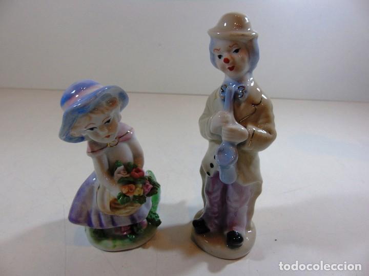 LOTE DE DOS FIGURITAS DE PORCELANA UNA NIÑA Y UN PAYASITO (Antigüedades - Porcelanas y Cerámicas - Otras)