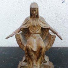 Antigüedades: FIGURA DE ESCAYOLA. SAGRADO CORAZON ESTILO MODERNO, ART DECÓ. PARA RESTAURAR. SELLADO VALENCIA. Lote 111675387