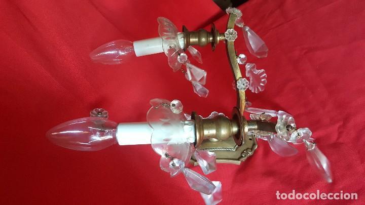 Antigüedades: Pareja de apliques en bronce y cristal, preciosos. - Foto 2 - 111758147
