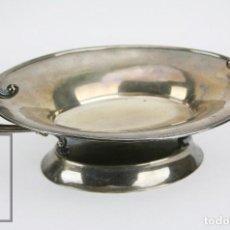 Antigüedades: ANTIGUO CENTRO DE MESA EN PLATA DE LEY - MEDIADOS SIGLO XX - CONTRASTES - MEDIDAS 41 X 23 X 13,5 CM. Lote 111765479