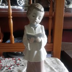 Antigüedades: FIGURA DE PORCELANA SELLADA NAO DE LLADRO. Lote 111781366