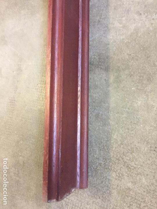 Antigüedades: Antigua GALERIA para colgar las cortinas o CORTINERO, en MADERA DE CAOBA. Ver medidas. Leer mas.. - Foto 6 - 111795407
