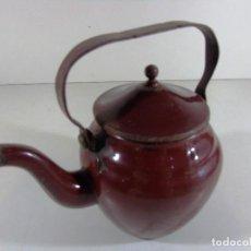 Antigüedades: ANTIGUA TETERA O CAFETERA ESMALTADA.. Lote 111797407