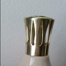 Antigüedades: PRECIOSA LAMPARA PERFUMADORA EN PORCELANA HECHA Y PINTADA A AMNO MADE FRANCE PARIS. Lote 111827607