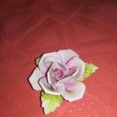 Antigüedades: ROSA PORCELANA CAPODIMONTE. PERFECTO ESTADO.. Lote 111869460