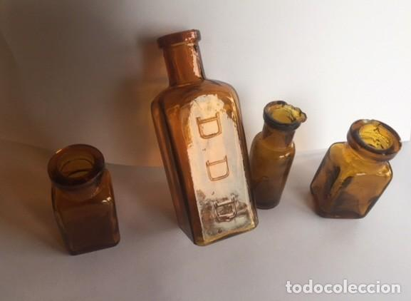 CONJUNTO ANTIGUAS PEQUEÑAS BOTELLAS FARMACIA COLOR AMBAR (Antigüedades - Cristal y Vidrio - Farmacia )
