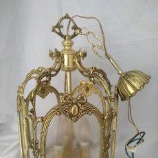 Antigüedades: LAMPARA FAROL GRANDE EN BRONCE CON CRISTALES TALLADOS. COMPLETO, FUNCIONA. Lote 111900471