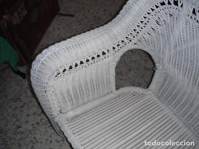 Antigüedades: SOFA DE MIMBRE PINTADO EN BLANCO - Foto 3 - 111901027