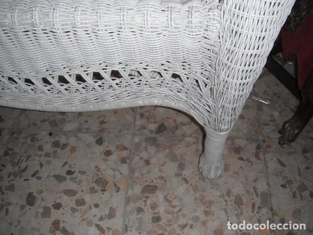 Antigüedades: SOFA DE MIMBRE PINTADO EN BLANCO - Foto 5 - 111901027