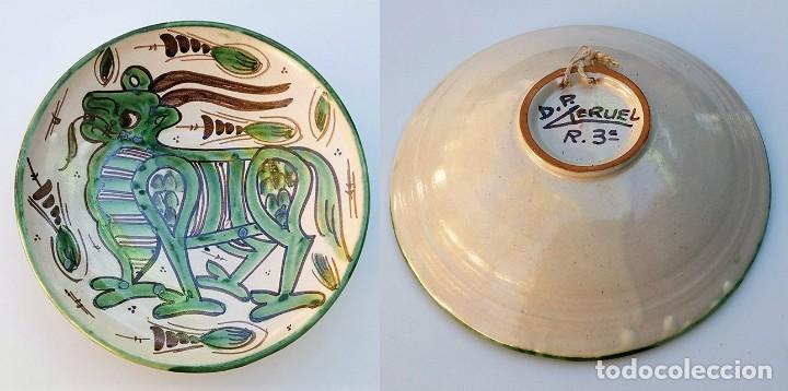 PLATO CERÁMICA TERUEL FIRMADO D.P. DOMINGO PUNTER - AÑOS 60 (Antigüedades - Porcelanas y Cerámicas - Teruel)
