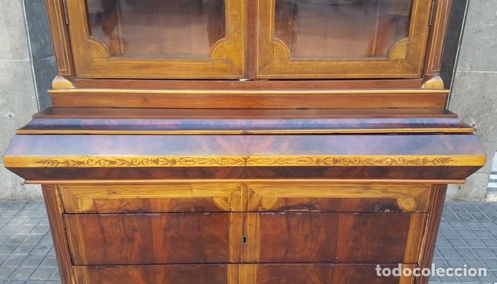 Antigüedades: VITRINA. MARQUETERÍA DE MADERA. ESPAÑA. SIGLO XIX. - Foto 3 - 111951607