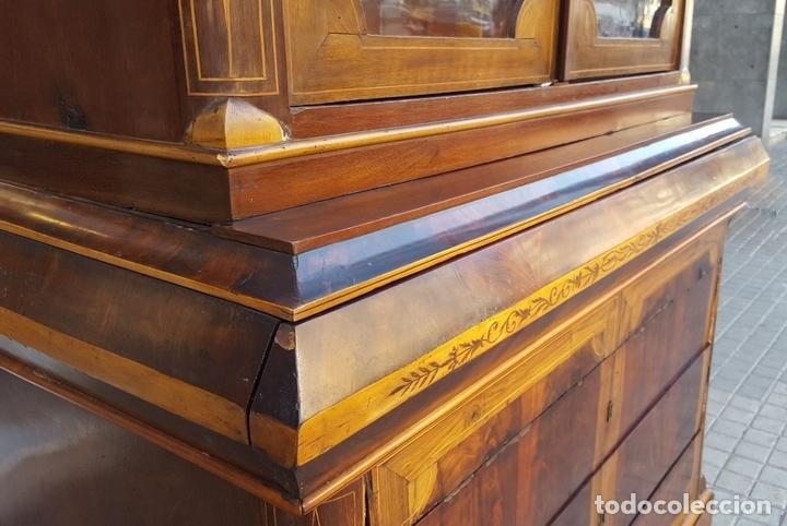 Antigüedades: VITRINA. MARQUETERÍA DE MADERA. ESPAÑA. SIGLO XIX. - Foto 5 - 111951607