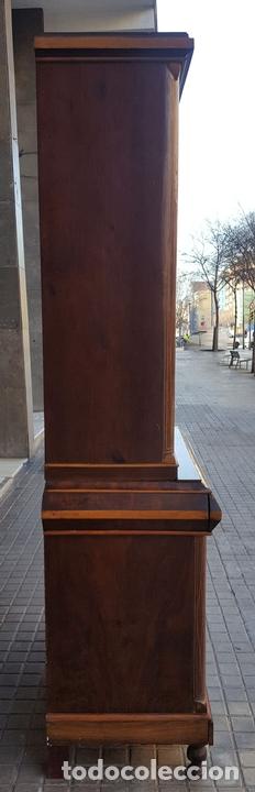 Antigüedades: VITRINA. MARQUETERÍA DE MADERA. ESPAÑA. SIGLO XIX. - Foto 14 - 111951607