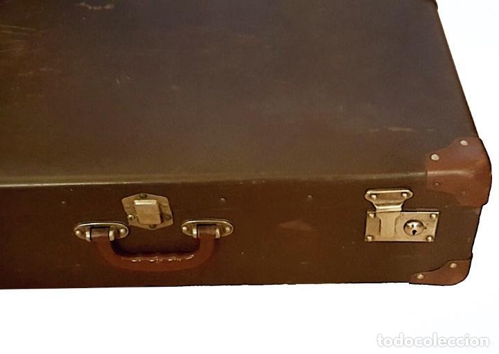 Antigüedades: Antigua maleta , cantoneras de cuero, cierres metálicos, sin llave, preciosa! - Foto 2 - 111966935