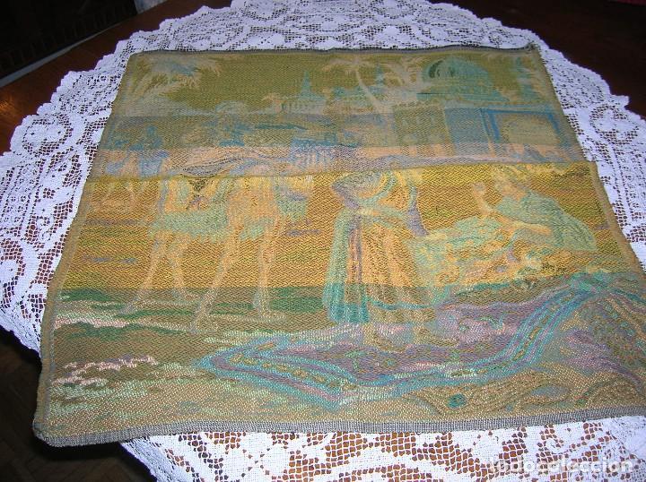 Antigüedades: Muy bonito tapiz antiguo. - Foto 3 - 111983607
