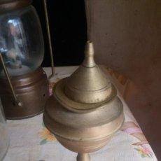 Antigüedades: ANTIGUO QUINQUE DE BRONCE O LAMPARA DE ACEITE CAPUCHINA. Lote 111986635