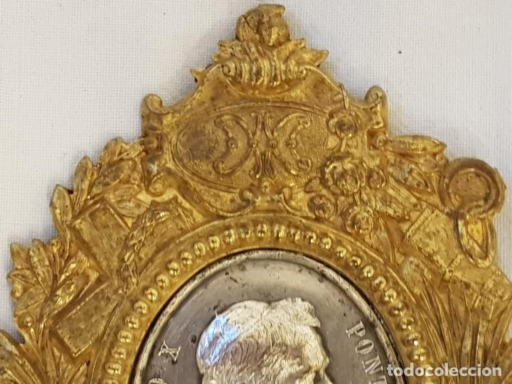 Antigüedades: Medalla de plata con marco de latón. Papa Pío X (1903-1914) - Foto 4 - 112023515