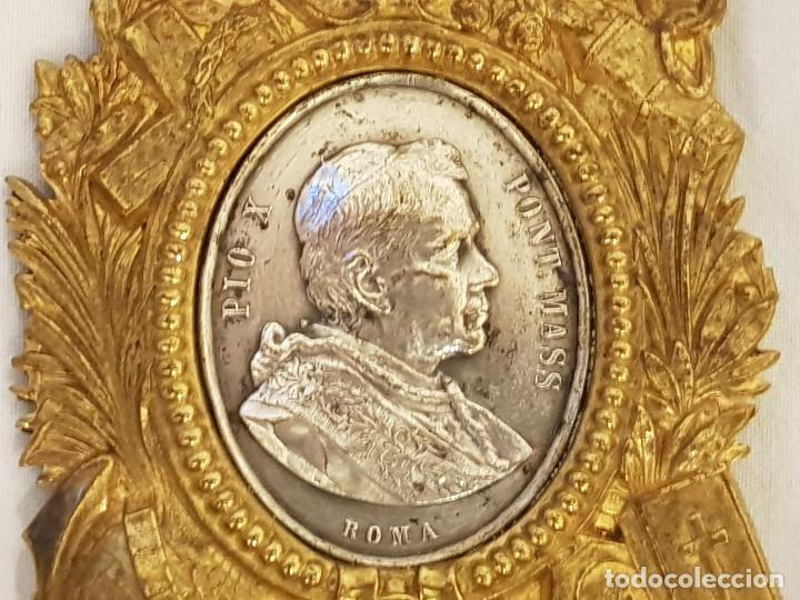 Antigüedades: Medalla de plata con marco de latón. Papa Pío X (1903-1914) - Foto 5 - 112023515