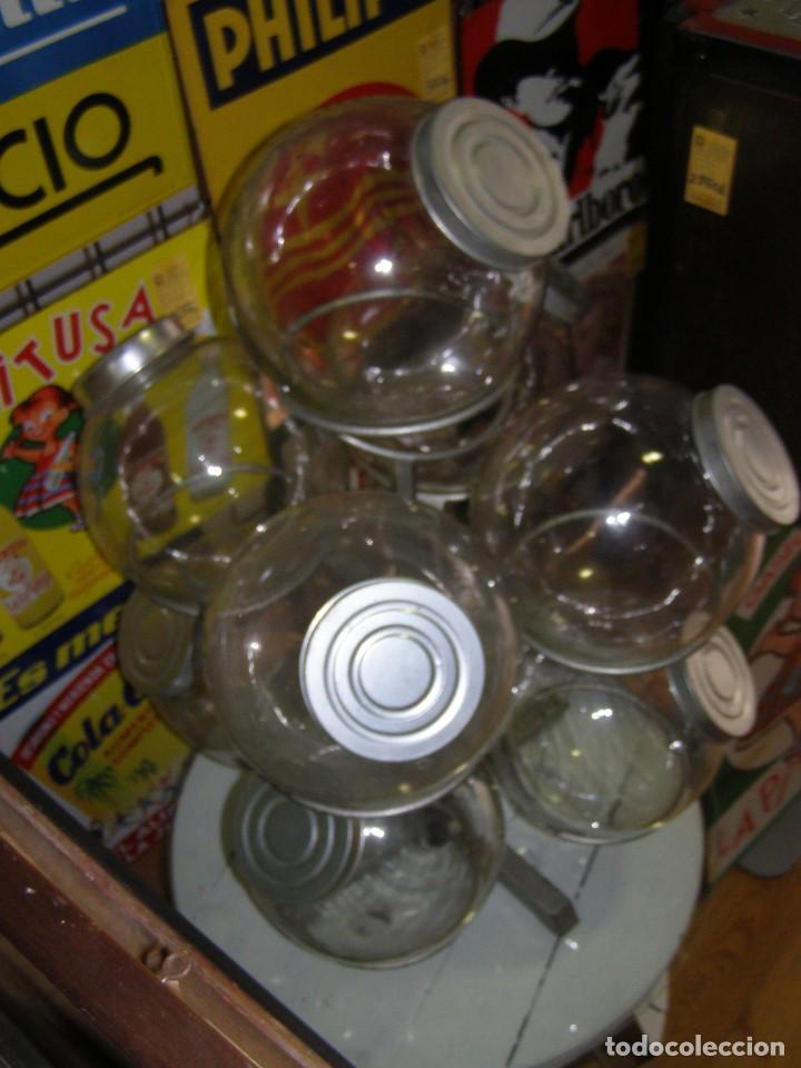 Antigüedades: Caramelera de 9 tarros de cristal. Base giratoria. Mostrador de ultramarinos pastelería, Muy rara - Foto 9 - 112025487