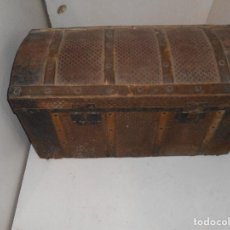 Antigüedades: BAUL ANTIGUO PARA RESTAURAR. Lote 142443034