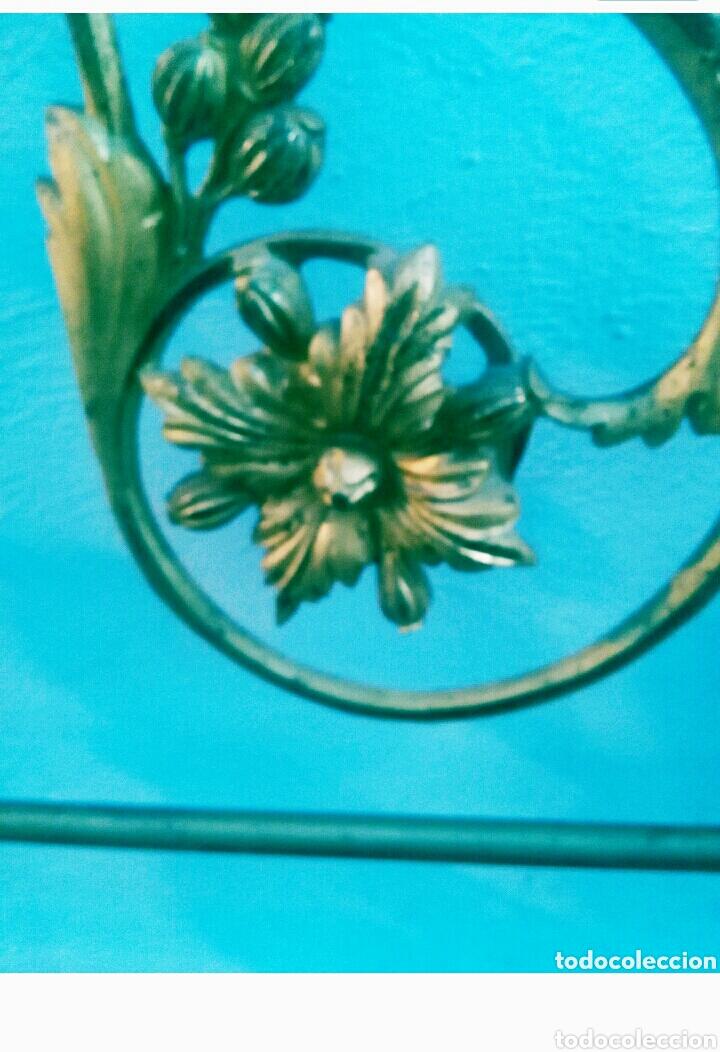 Antigüedades: Cabecero dorado isabelino de 150 - Foto 4 - 112091752