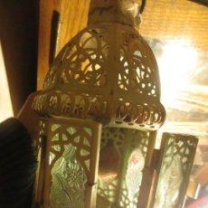 Antigüedades: FAROL DE HIERRO Y CRISTALES VISELADOS PARA VELA 22 CMS. Lote 112122847