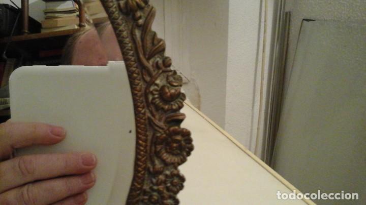 Antigüedades: Espejo de bronce con cristal biselado . Años 50 . - Foto 5 - 112176083