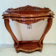 Antigüedades: PRECIOSA CONSOLA DE MADERA RESTAURADA. Lote 112232786