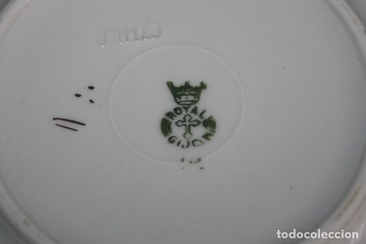 Antigüedades: Plato de café Royal Pola - Con borde dorado - Gijóin - Foto 3 - 112271455