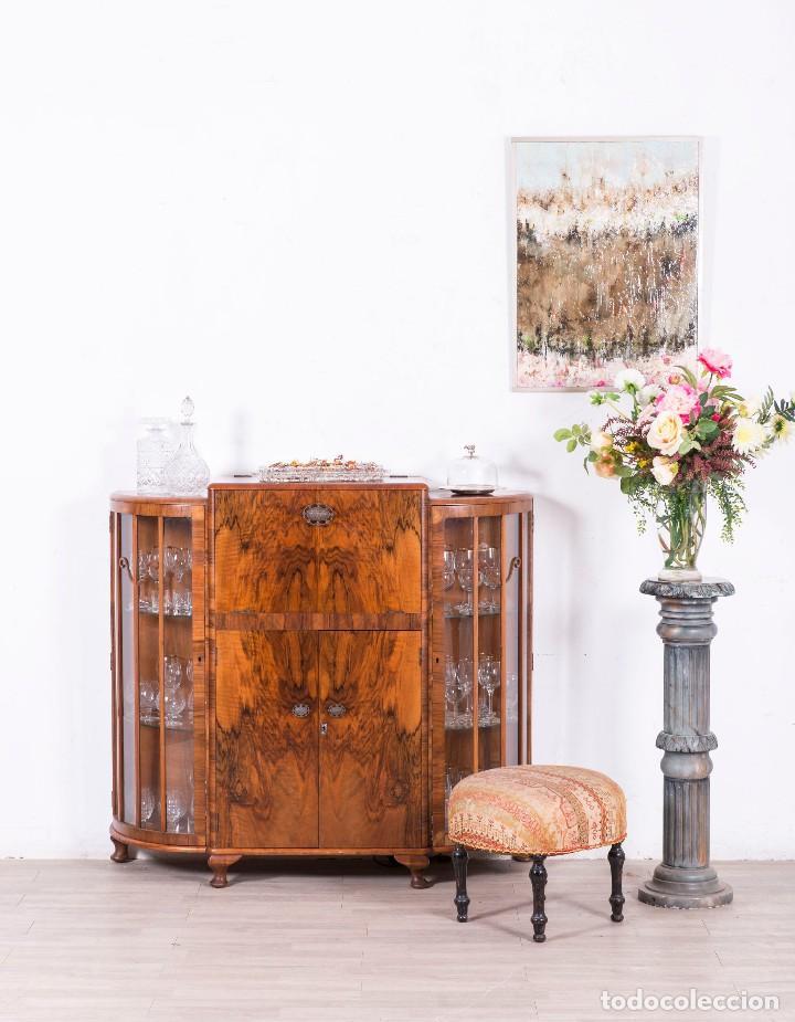 mueble bar ingl s de nogal vendido en venta directa. Black Bedroom Furniture Sets. Home Design Ideas