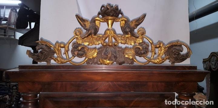 Antigüedades: CONJUNTO DE CONSOLA Y ESPEJO ESTILO FERNANDINA. CAOBA CON LIMONCILLO. ESPAÑA. SIGLO XIX. - Foto 3 - 112335067
