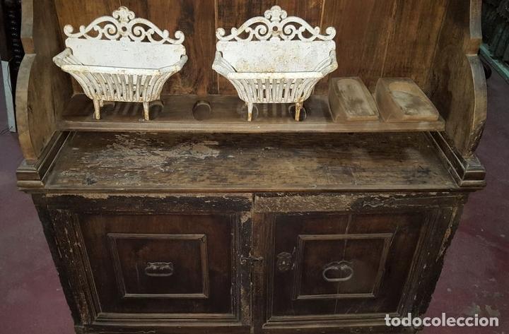 Antigüedades: MUEBLE ARMERO. ESTILO RENACENTISTA. MADERA DE ALVA. ESPAÑA. SIGLO XVII. - Foto 7 - 112338479