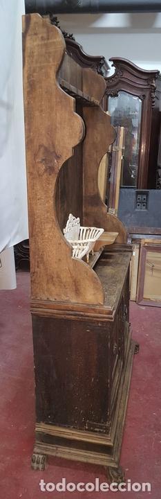 Antigüedades: MUEBLE ARMERO. ESTILO RENACENTISTA. MADERA DE ALVA. ESPAÑA. SIGLO XVII. - Foto 11 - 112338479