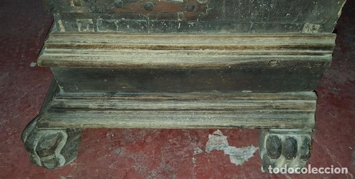 Antigüedades: MUEBLE ARMERO. ESTILO RENACENTISTA. MADERA DE ALVA. ESPAÑA. SIGLO XVII. - Foto 15 - 112338479